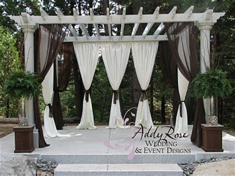love this idea for decorating a pergola wedding ideas
