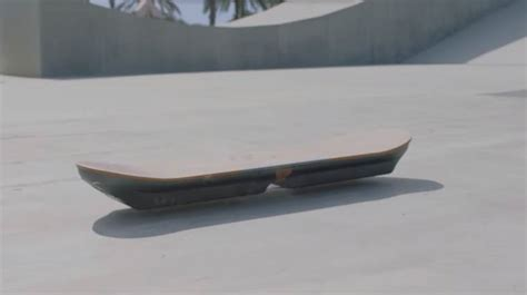 skate volante hoverboard lexus invente un skateboard volant spanky