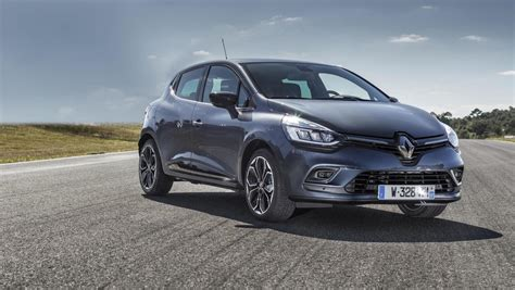 renault clio 2017 renault clio updated for 2017 more tech and two engines