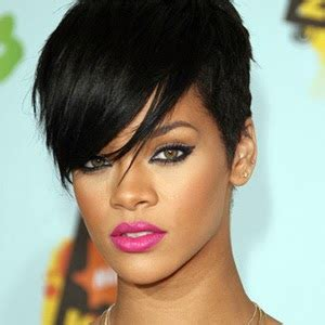 crazy contact lenses: eyes like rihanna what contact