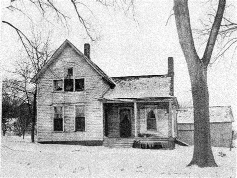 villisca axe murder house man stabs self at villisca axe murder house