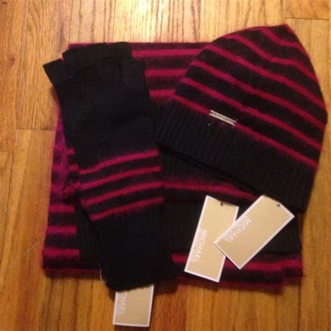 Selendang Michael Kors Original Mk Stripes Scarf Pink 7 michael kors accessories michael kors hat glove and scarf set from demekesh s closet