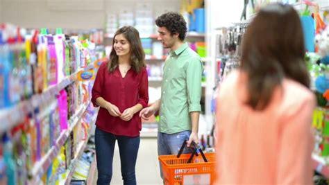 Minyak Goreng Merk Family 8 trik hemat saat belanja di supermarket habisnya di