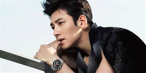 ji chang wook ji chang wook cutely promotes his upcoming drama