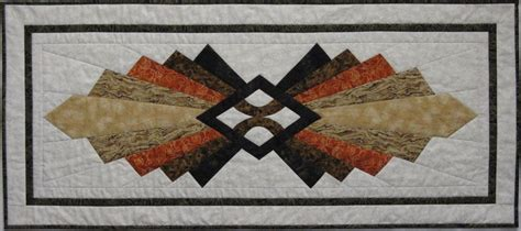 quilt pattern art deco art deco table runner thequiltshow com