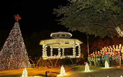 christmas celebrations across the usa inspire travelocity com