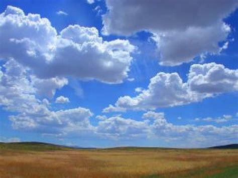 imagenes feliz dia nublado en un d 237 a nublado descargar fotos gratis
