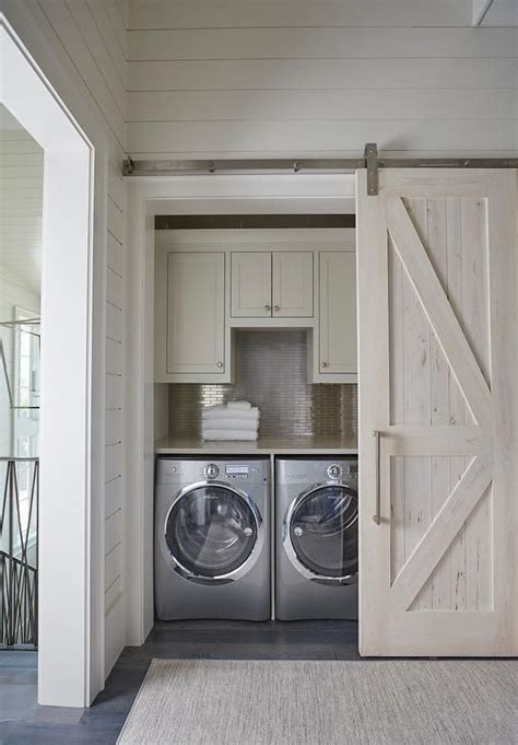 Utility Closet Doors 25 Best Ideas About Washer Dryer Closet On Pinterest Laundry Closet Organization Small