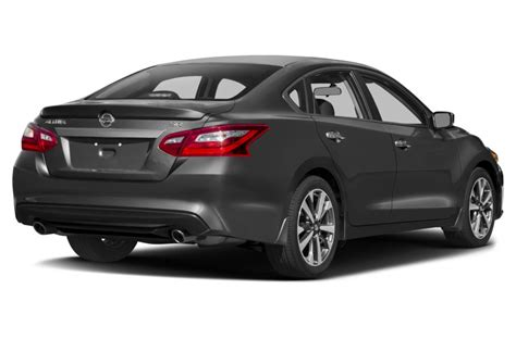 nissan cars altima 2017 nissan altima reviews specs and prices cars com