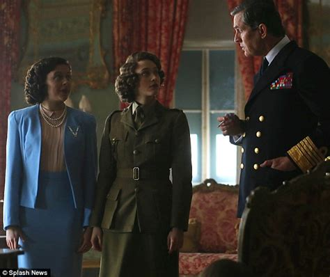 film queen elizabeth ve day the queen aged 19 in a sleazy soho club on ve day