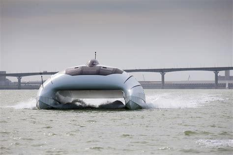 ultra fast boats a2v and its quot lili quot prototype a futuristic ultra fast