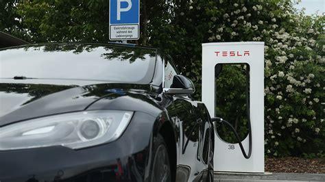 Tesla Charging Stations Ohio Tesla S Electric Vehicle Slide Augmented Reality Contact
