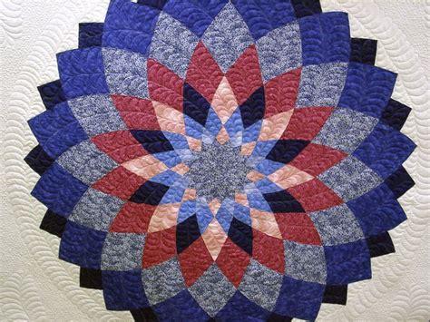 Dahlia Quilt Pattern by Pin By Bernadette Deverse On Dahlia Quilts