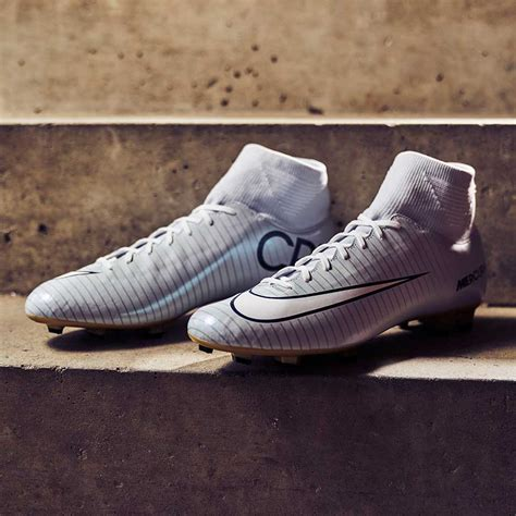 Sepatu Bola Nike Mercurial Victory V Fg harga nike mercurial vapor 8 di indonesia white