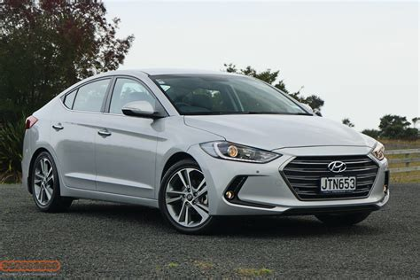 Hyundai Elantra Safety Rating by New 2013 Hyundai Elantra Price Photos Reviews Safety
