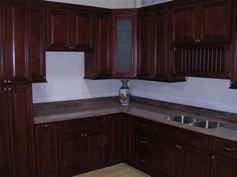 Maple Or Cherry Cabinets by Cherry Maple Glaze Kitchen Cabinets