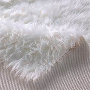 kunstfell teppich weiß hochflor kunstfell flokati teppich wei 223 rund 140cm ebay