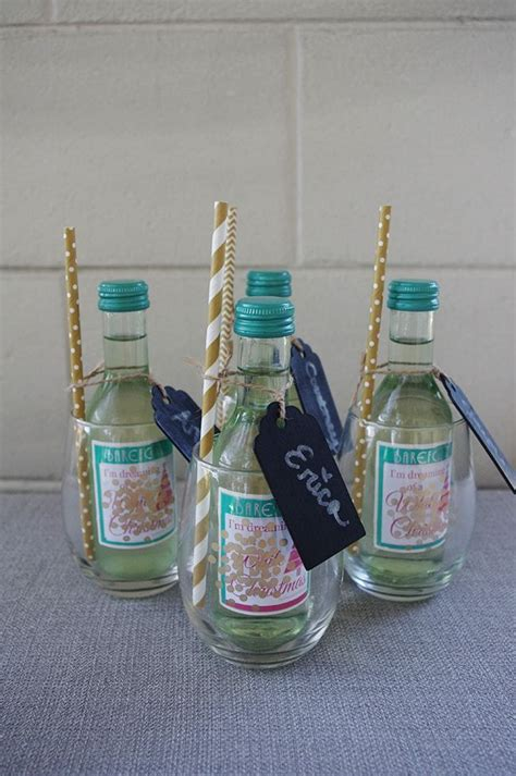 Baby Shower Host Gift Ideas by Best 25 Baby Shower Hostess Gifts Ideas On