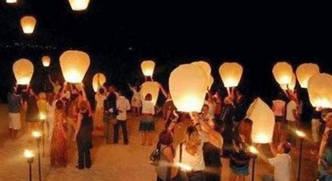 lanterne volanti sono pericolose pericolose per il traffico aereo niente lanterne volanti