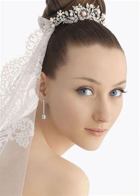 bridal hairstyles veil and tiara chimakadharoka wedding hairstyles for short hair with