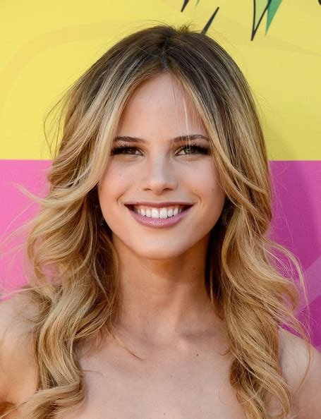 celebrity hairstyles blonde highlights stylenoted celebrity hairstyle inspiration golden