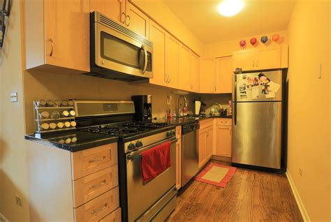 2 bedroom apartment 1 2 block from lincoln rd 12 one bedroom apartments lincoln park 28 images charming