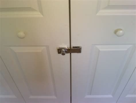 How To Lock Sliding Closet Doors Mirrored Sliding Closet Door Lock 22 Secrets You