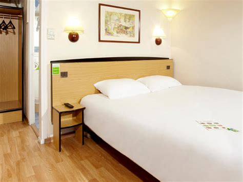 hotel a honfleur avec dans la chambre h 244 tel canile 3 233 toiles 224 honfleur dans le calvados