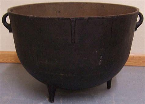 large cast iron pot large cast iron kettle