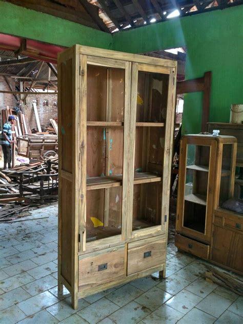 Lemari Kayu Pajangan mebel kayu jati bekas recycle model minimalis yang ramah