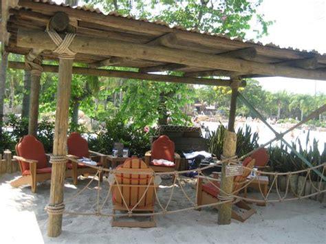 Blizzard Polar Patio Cost by Show The Beachcomber Shacks At Typhoon Lagoon And They