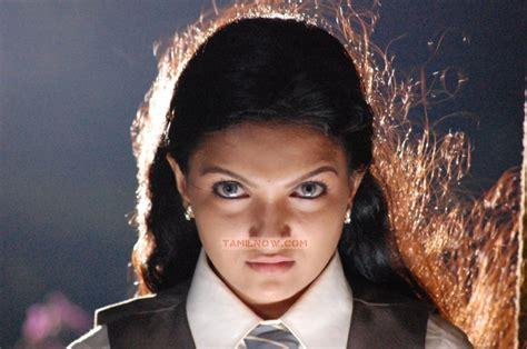 ghost film in tamil saranya mohan as ghost 210 tamil movie arundhati vettai