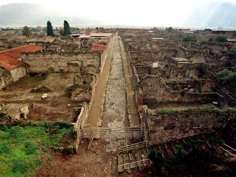 the of pompeii pictures of pompeii italy business insider