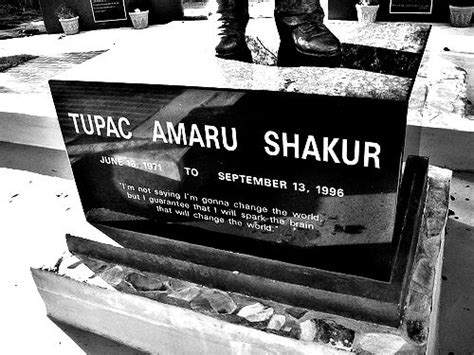 tupac shakur grave www pixshark com images galleries
