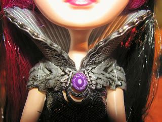 dolls within pictures: ever after high, raven queen review