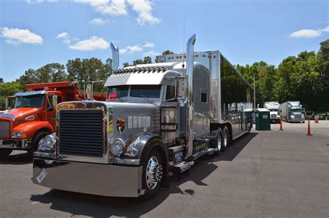 show trucks shining  wildwood    pride polish stop