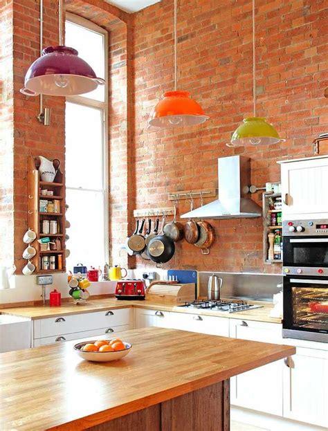briques cuisine mur briques expos 233 es dans la cuisine une tr 232 s id 233 e d 233 co