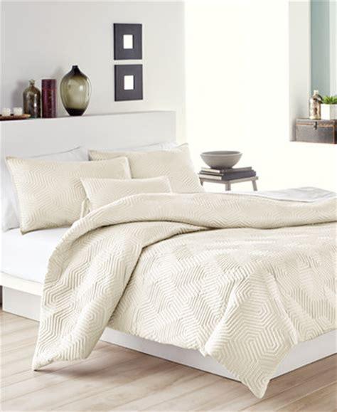 dkny comforter dkny helix quilted full queen comforter comforters down