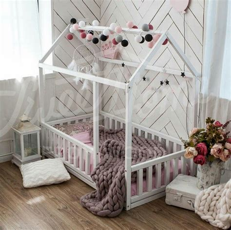 Baby Floor Bed by Best 25 Toddler Floor Bed Ideas On Montessori