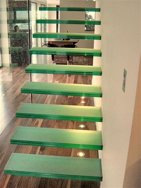Laminated glass stair treads Australia, non slip glass treads