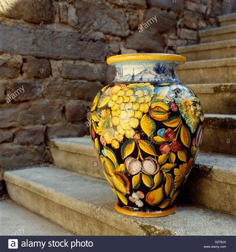 Handmade Italian Pottery - handmade local painted majolica pottery ceramic