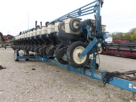 Kinze Planter by 32 Row Kinze 2600 Corn Planter Kinze Farm Equipment
