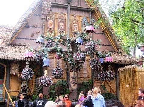 Tiki Hut Disneyland by Enchanted Tiki Room At Disneyland Park Gossip