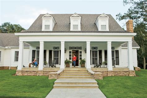 Home Ideas For Southern Charm Southern Living Southern Style House Plans With Columns