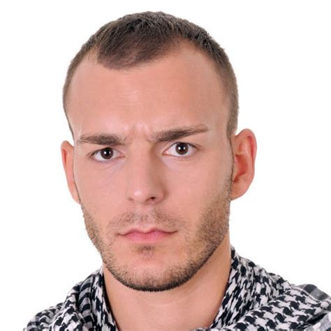 haircut styles for receding hairline 35 flattering hairstyles for men with receding hairlines