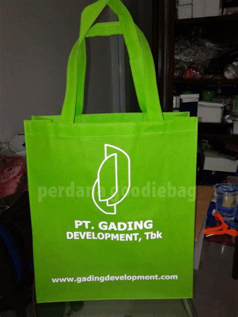 Tas Spunbond Laundry Kantong Goodie Bag Seminar Sablon gallery contoh goodie bag ideas perdana goodie bag