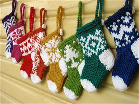 knitting pattern for mini xmas stocking easy to make christmas decorations
