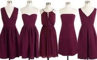 fall winter weddings cranberry burgundy bridesmaid
