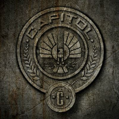 district themes hunger games tributes of panem pn ofpanempn twitter