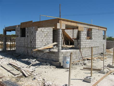 building a cinder block house know this before you build large concrete blocks house